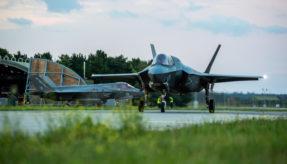 US F-35 jets arrive at RAF Marham